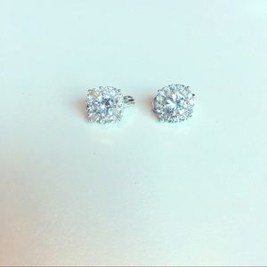 Gorgeous cubic zirconia princess earrings